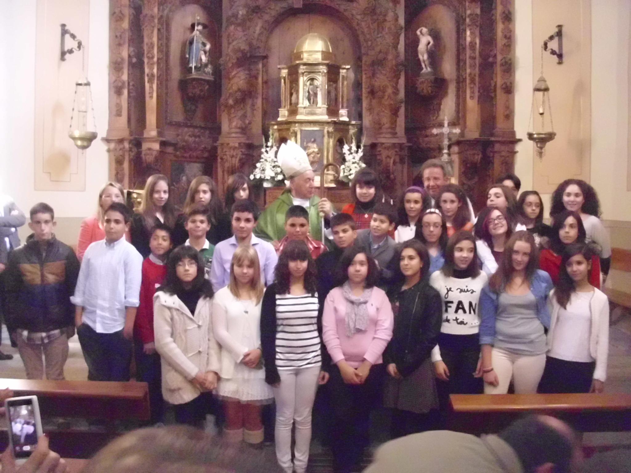 Don Ángel Rubio, obispo de Segovia, confirmó a 30 adolescentes el pasado 3 de noviembre.